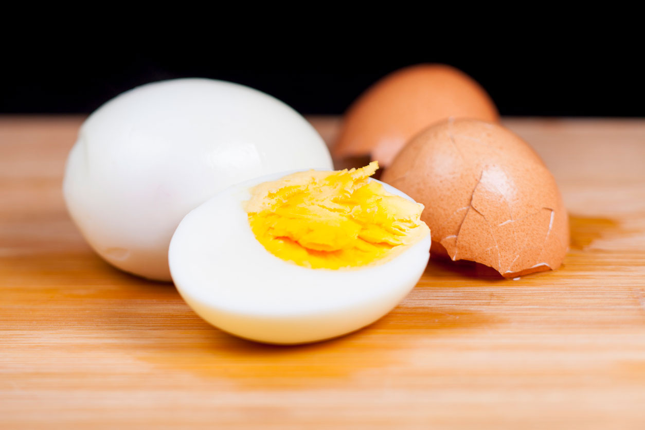 How to Stop Boiled Eggs From Turning Grey