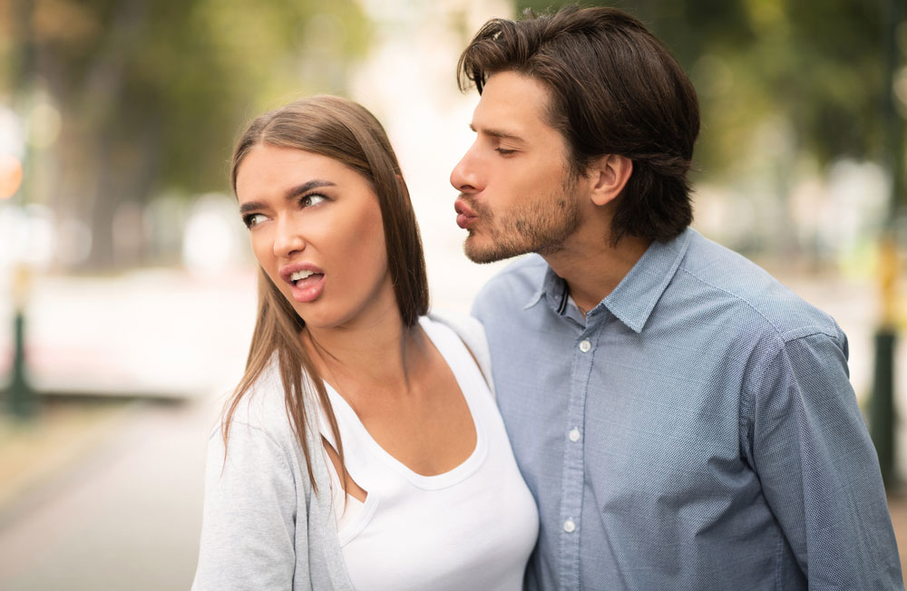 10 Kissing Styles Women Hate