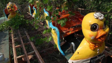 creepy abandoned amusement parks